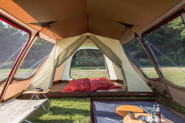 テント内部写真