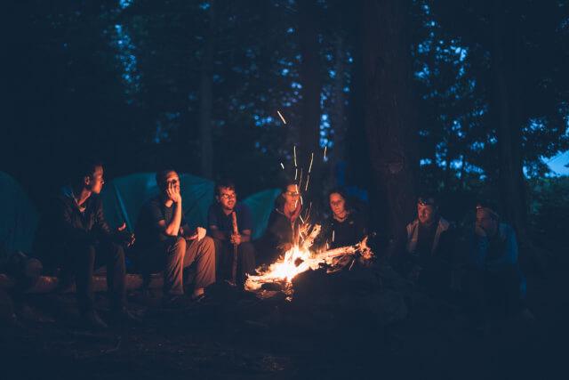 友達とキャンプ