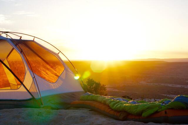 夕陽とテント
