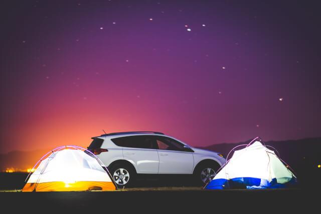 テントと車